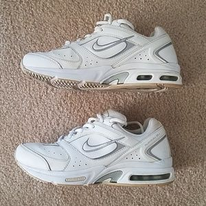buy popular 641cd a9049 Nike Shoes - Nike Air Max HealthWalker VII+